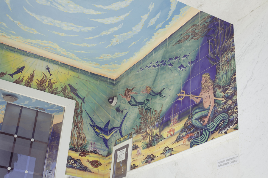 Mermaid mural in a building in Venice Beach.
