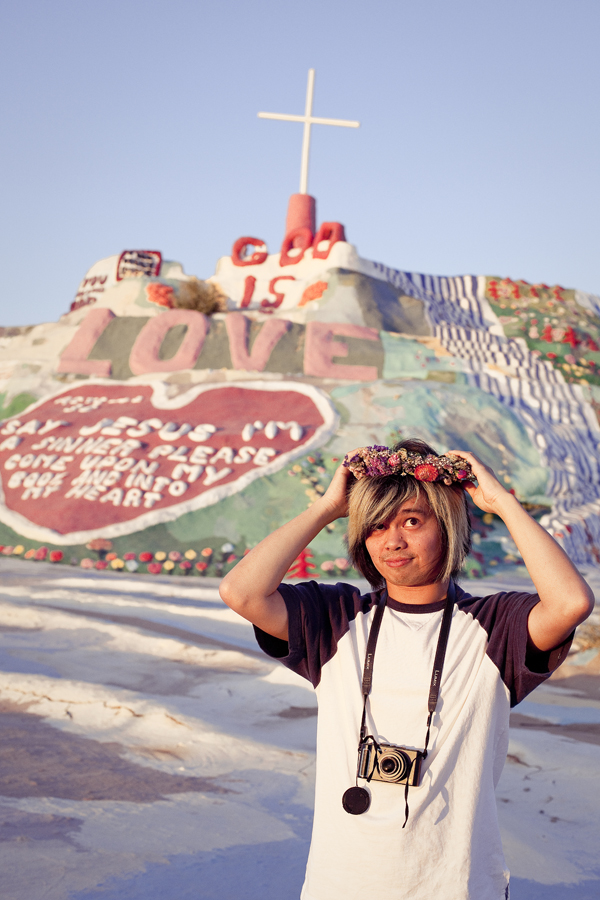 Shamis and his floral wreath at Salvation Mountain.