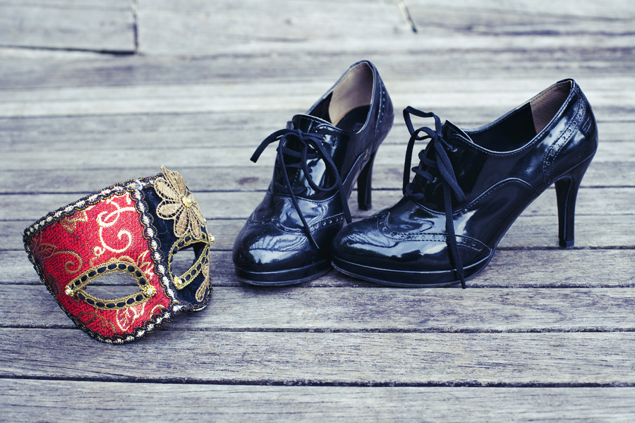 Black patent oxford heels.