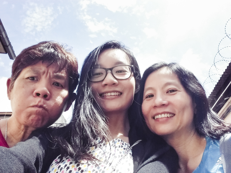 Selfie with Mum and Aunty Serene.