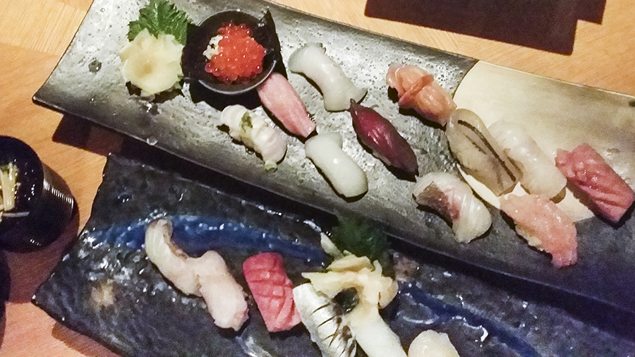 Assorted sushi and Special Sushi platter at Momoyama, Lotte Hotel, Myeongdong, Seoul, Korea.