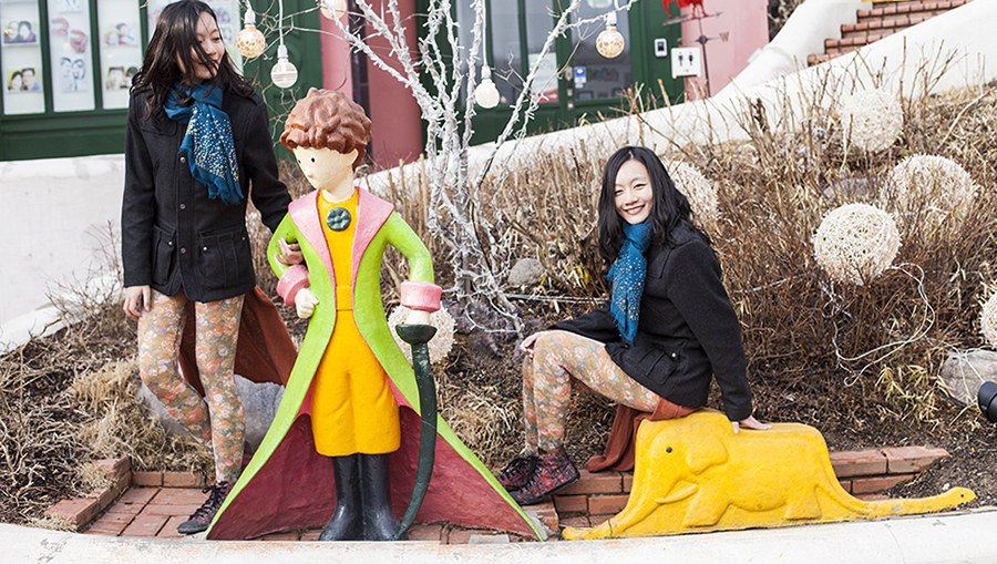 Posing with sculptures of the Little Prince and an elephant in a snake at Le Petit France, Gapyeong, South Korea.