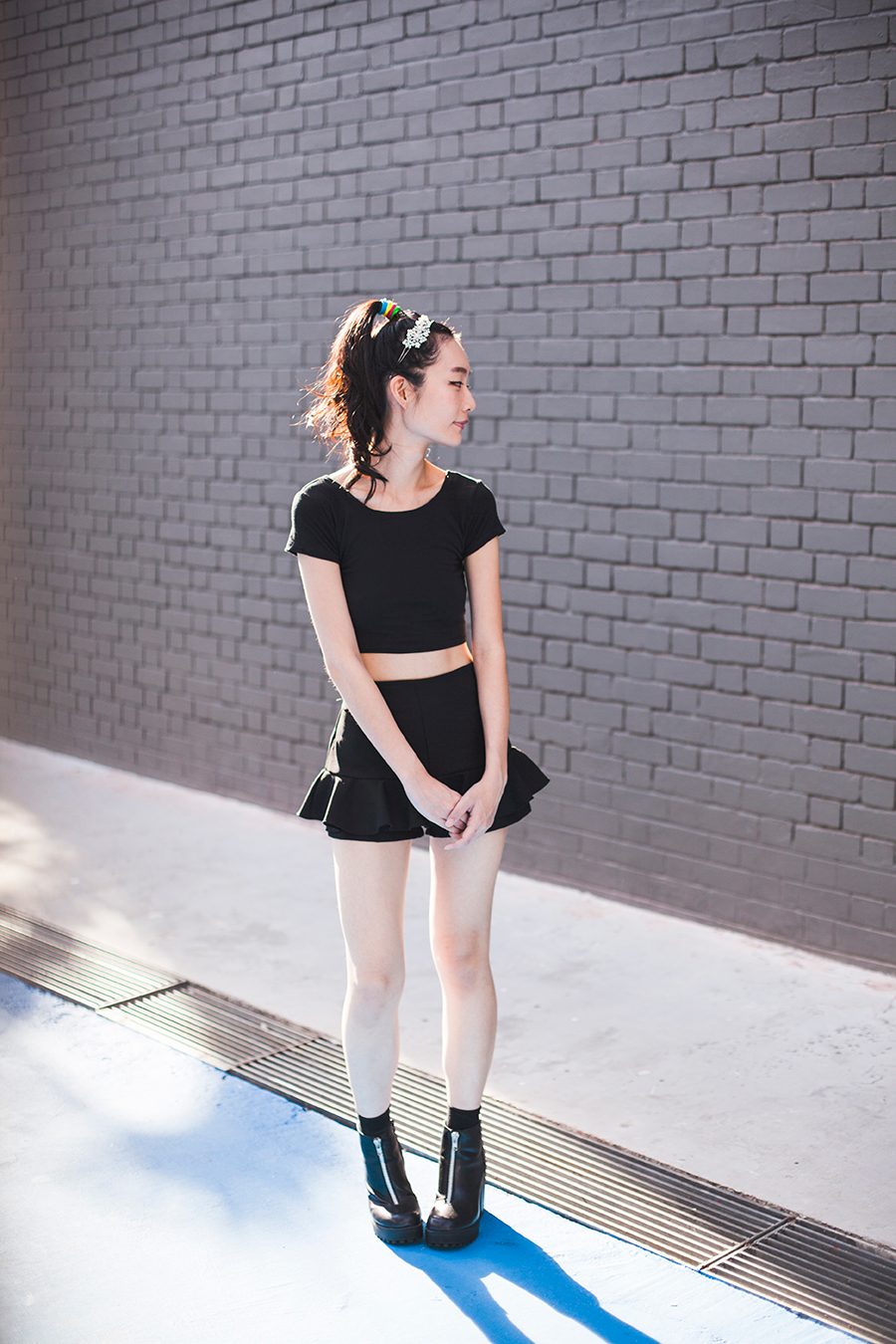 Irresistible Me Isis Headband outfit: DressLink black crop top, black culottes from Bangkok, black crew socks from Taobao, Rubi black platform boots via Zalora, multicolor hair ties from Luxola.