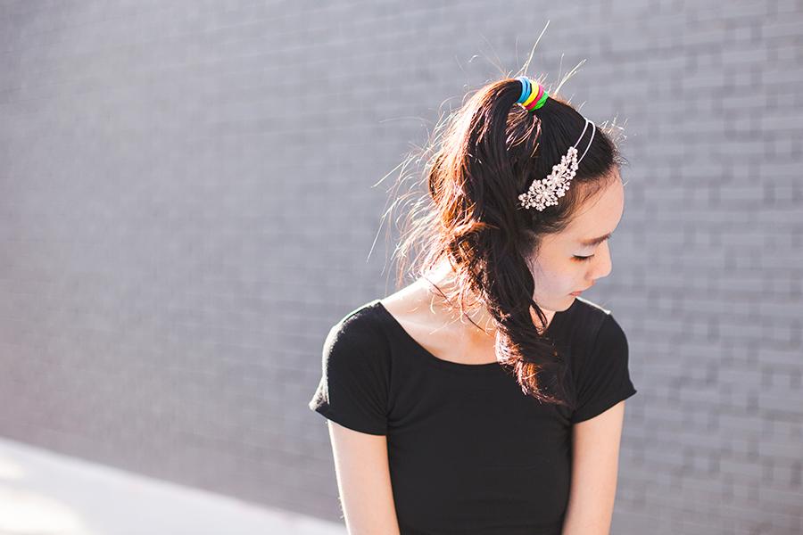 Irresistible Me Isis Headband outfit: DressLink black crop top, multicolor hair ties from Luxola.
