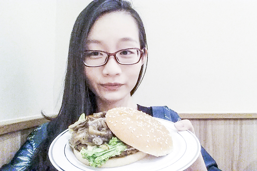 Burger King Singapore media preview: Gourmeji gourmet mushroom swiss with Shimeji mushroom.