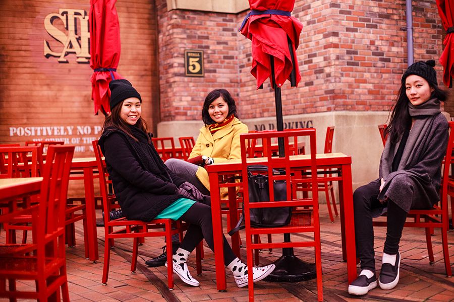 Portrait of Ruru, Shasha, and Ren at Universal Studios Japan, Osaka.