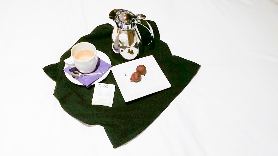 Chocolate and tea at the HoDo Hotel Donaldson, Minnesota USA.