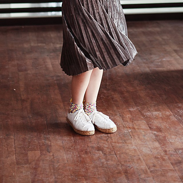 Twirling my Shein metallic silver pleat skirt.
