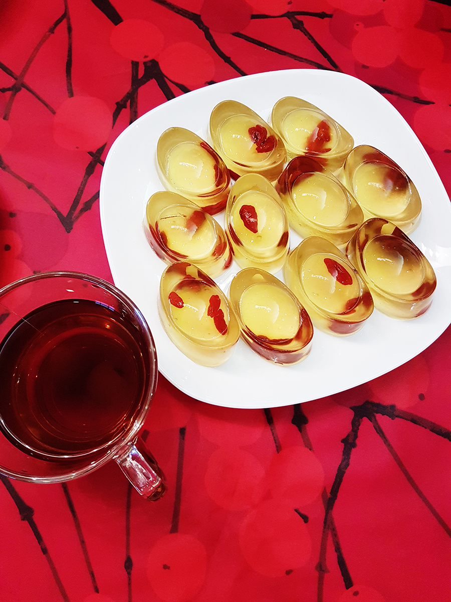 Chinese New Year konnyaku jelly with wolf berries and red date tea.