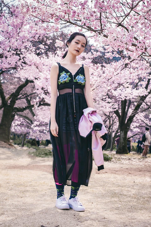 #OOTD at 新宿御苑桜 Cherry Blossoms in Shinjuku Gyoen.