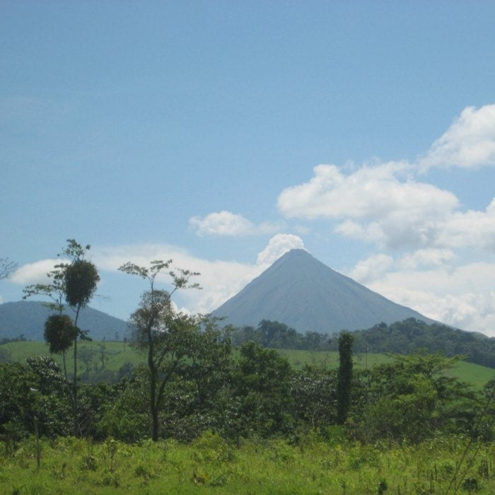 16 basic spanish phrases every traveler to costa rica should know volcan arenal costa rica m4hsunfo