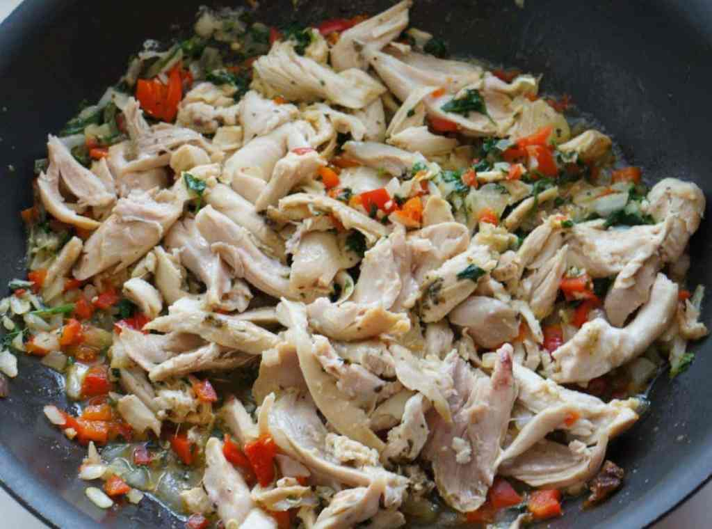 costa rican arroz con pollo in pan