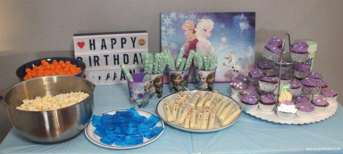 DIY Frozen Birthday Party Tablescape