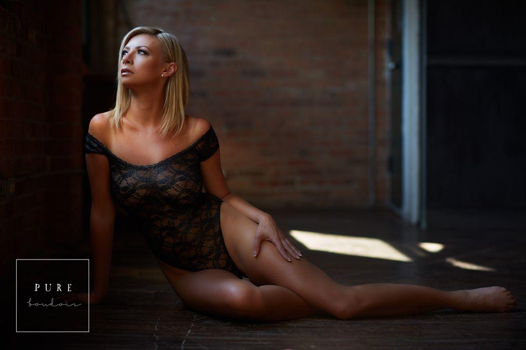 boudoir session in lingerie