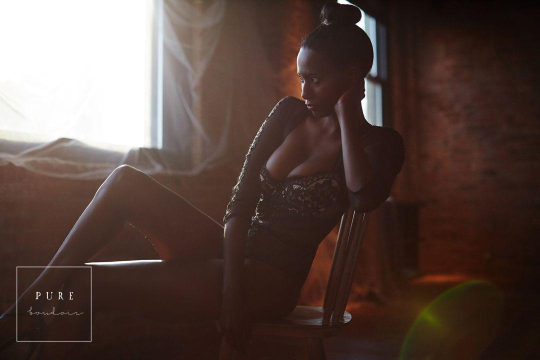 natural light boudoir photography