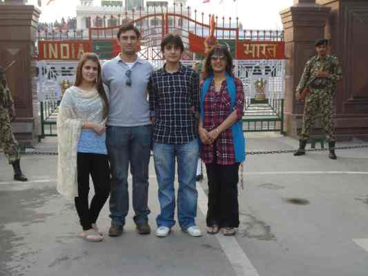 Indian Pakistan gate