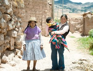 Three-generations-of-native-Peruvian-women