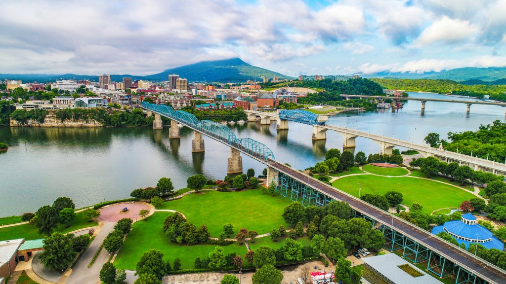 owntown Chattanooga TN Skyline, Coolidge Park and Market Street Bridge.