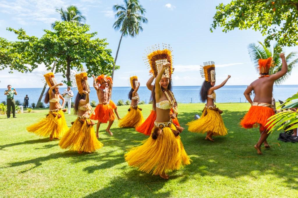Polynesian women perform traditional dance in Tahiti  Papeete, French Polynesia