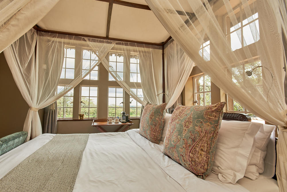 Giraffe-Manor-bettys-room