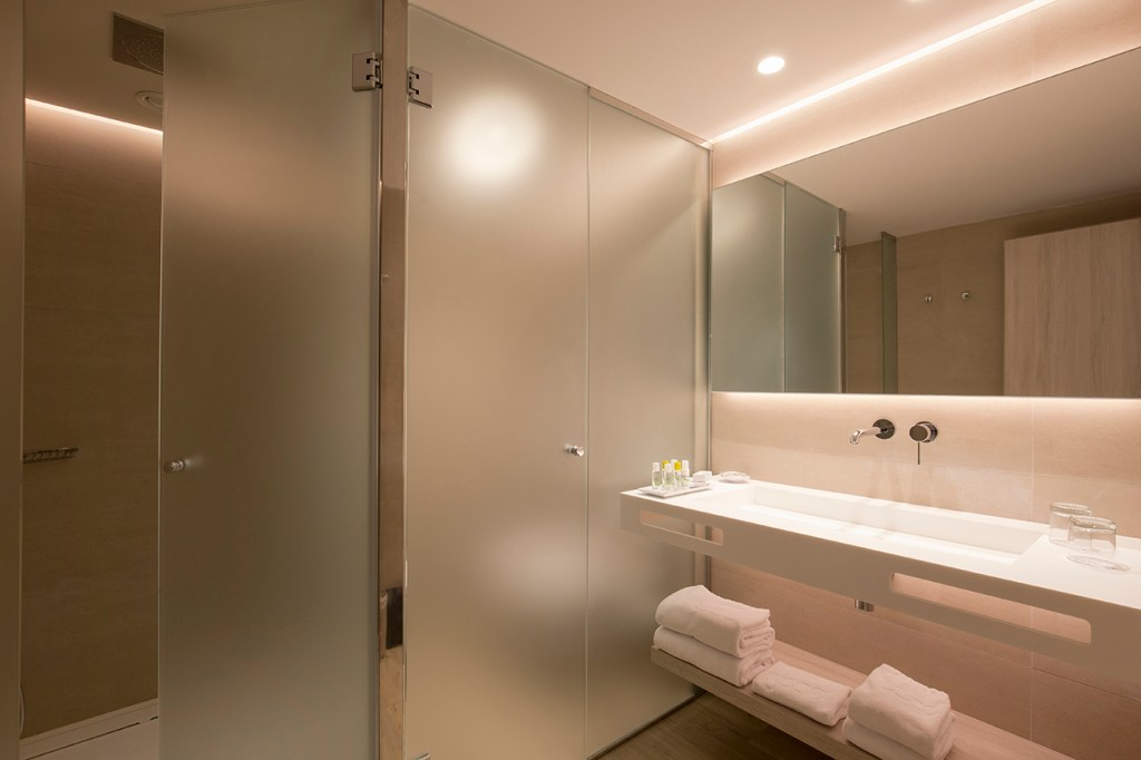 Junior Suite Bathroom at the Canyamel Park Hotel and Spa