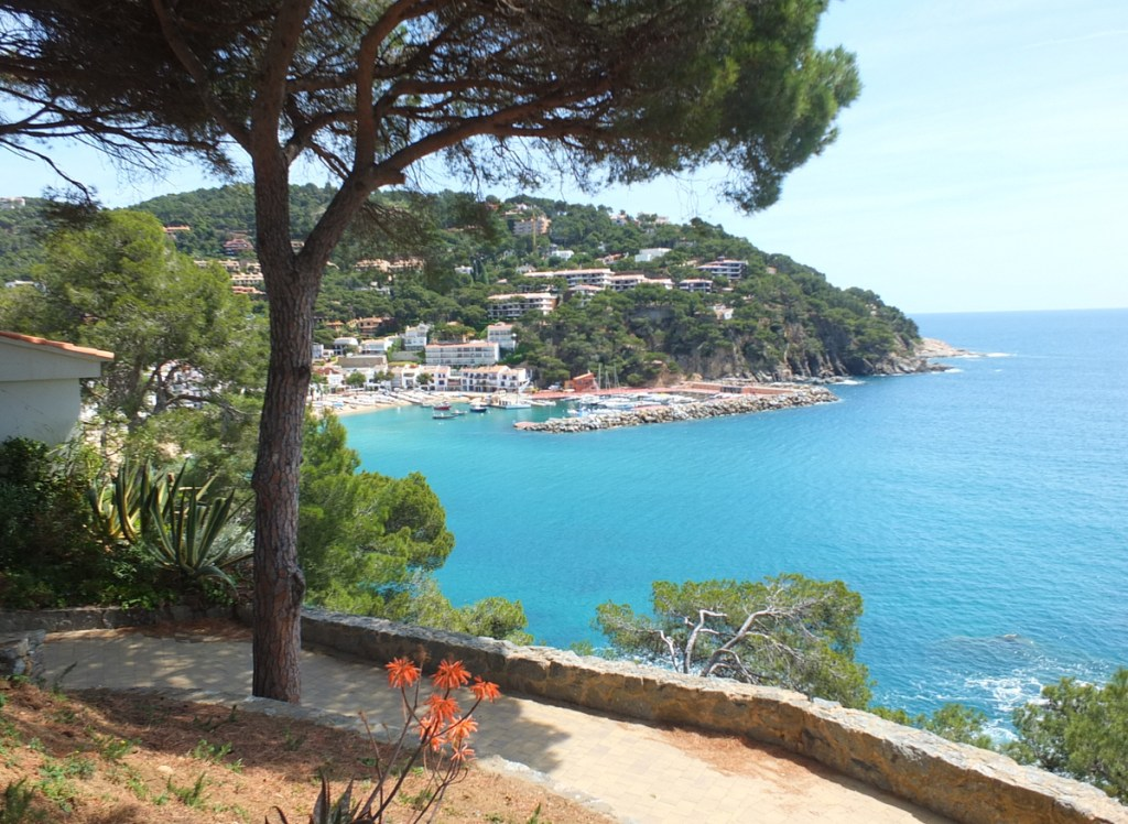 Llafranc is on the Costa Brava between Barcelona and the French border and is a hub for tourist from abroad and Spain. It's a popular fishing village and has a sheltered bay which is used by passing vessels