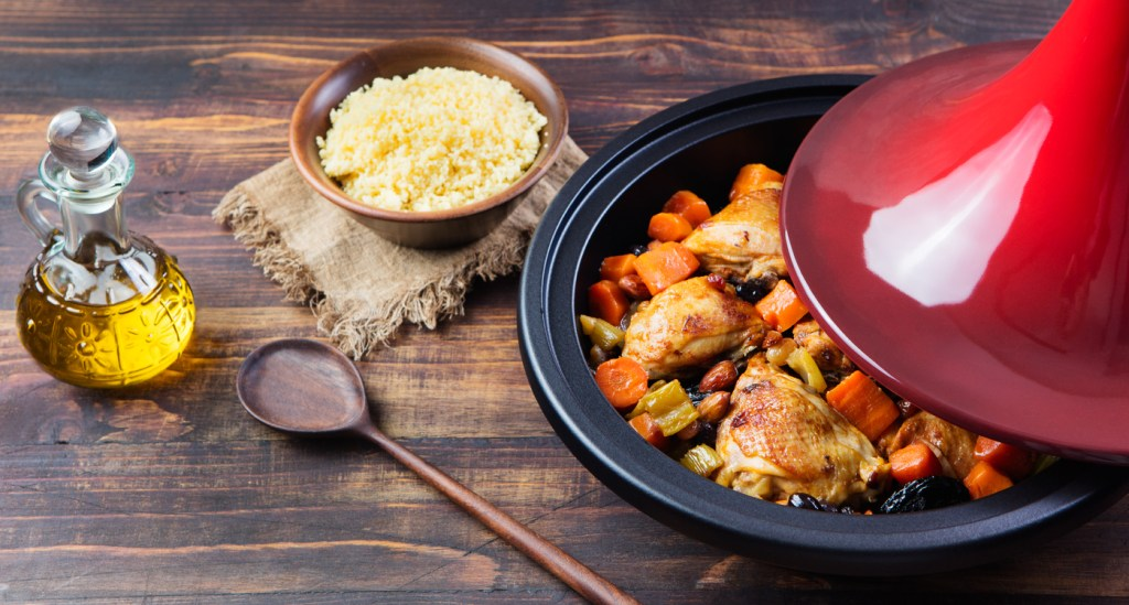 Tagine with cooked chicken and vegetables