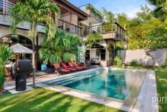 Niconico Mansion Seminyak - Pool and Villa