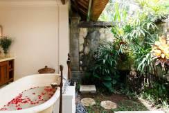 21.-Villa-Maridadi---Guest-suite-bathroom