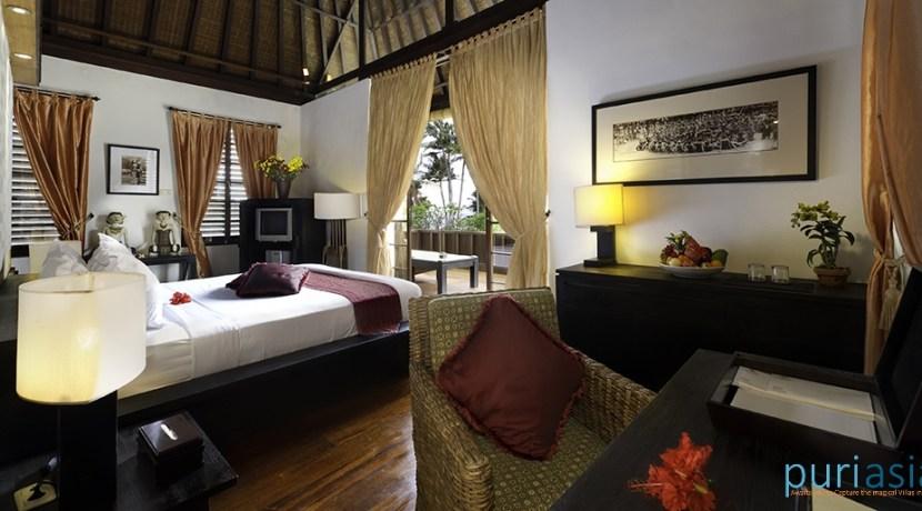 07-Majapahit Beach Villas - Villa Raj - Master bedroom