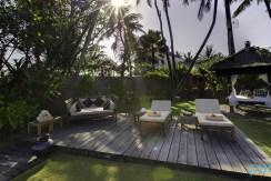 11-Majapahit Beach Villas - Villa Raj & Villa Nataraja - Beach deck