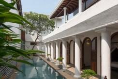 Ambassador's House - Private Villa in Srilnaka