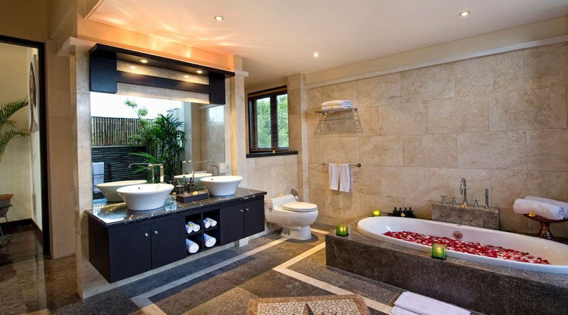 23-Villa-Lega---Second-master-bathroom