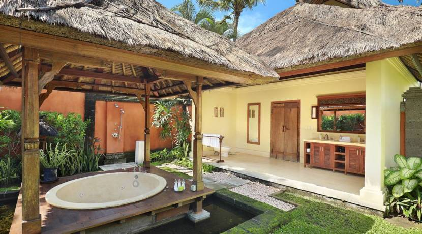 Impiana Villa Canggu - Bathroom