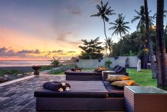 005-The-Ylang-Ylang---sunset-from-beach-deck