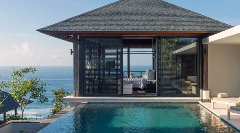01-Sohamsa-Estate---Villa-Hamsa---Master-bedroom-pool-view