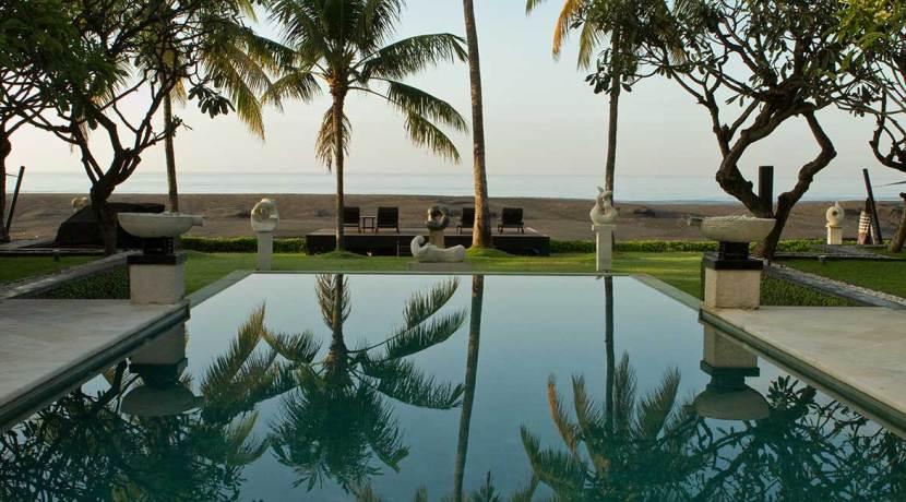 020-The-Ylang-Ylang---mornings-by-the-pool