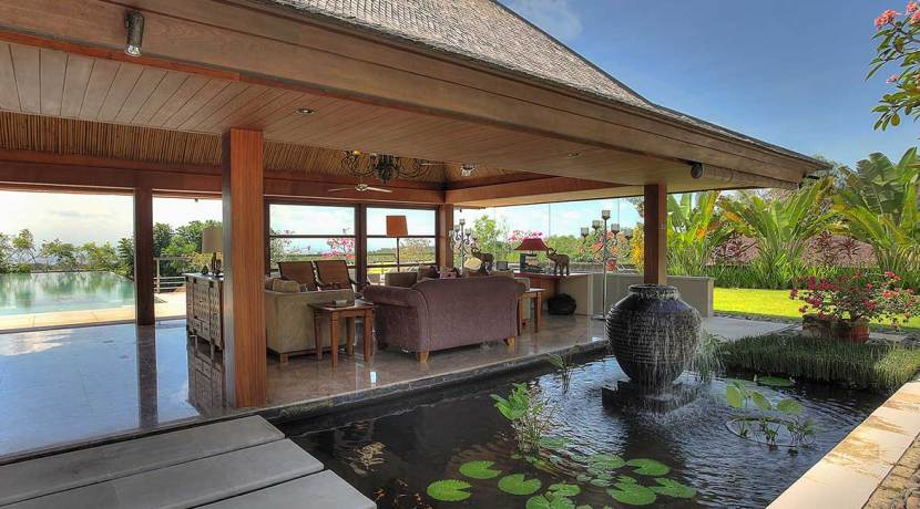 05-Indah-Manis---Living-room-water-feature