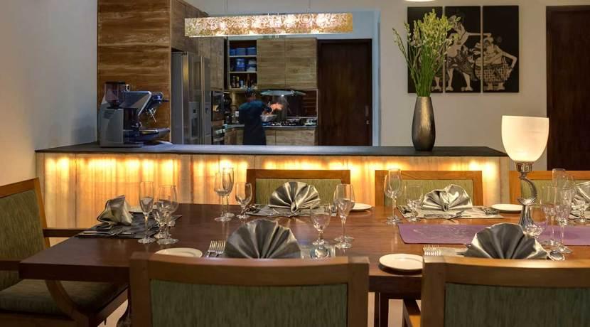 10-Villa-Aiko---Private-chef-in-action