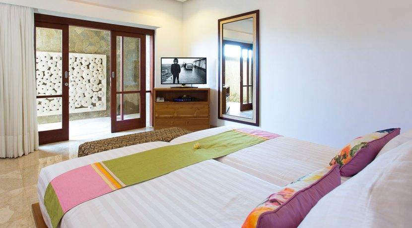 19.-Villa-Bayu-Gita-Beachfront---Downstairs-back-bedroom