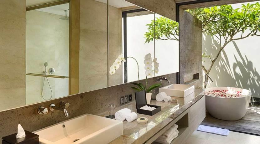 24-Sohamsa-Estate---Villa-Hamsa---Guest-bedroom-two-bathroom