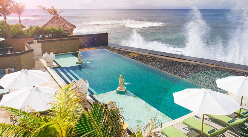 28.-Villa-Bayu-Gita---Beachfront---Pool-and-ocean