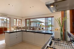 5.-Pandawa-Cliff-Estate---Villa-Marie---Kitchen-area