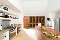 5.-Villa-Sepoi-Sepoi---Chef-(Indra)-in-the-kitchen