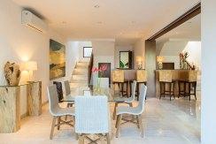 6.-Pandawa-Cliff-Estate---Villa-Markisa---Dining-area
