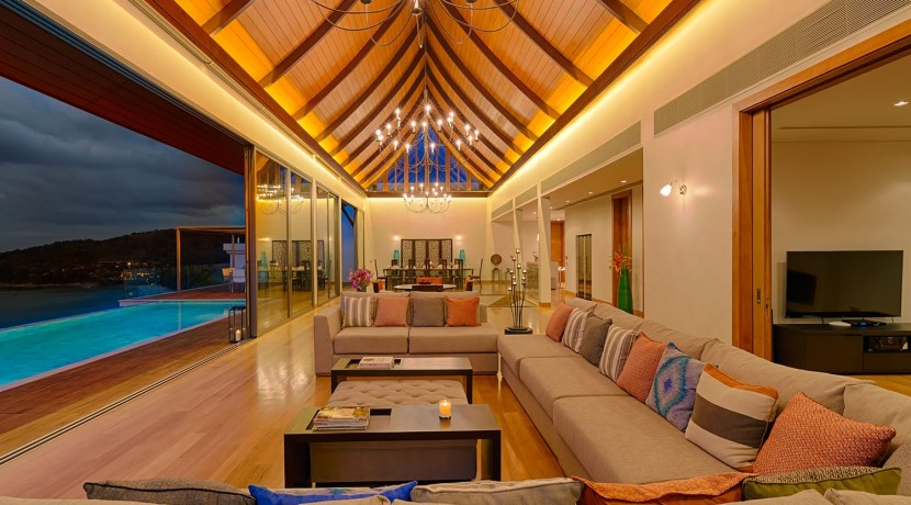 Villa Haleana - Living and Dining Area
