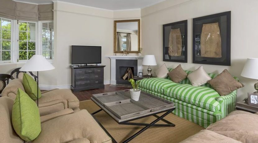 Villa Hill Rise - Living Area