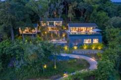 Eagles Nest Villa - Infinity edged swimming pool