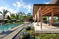 Villa Kayu - Tropical Villa
