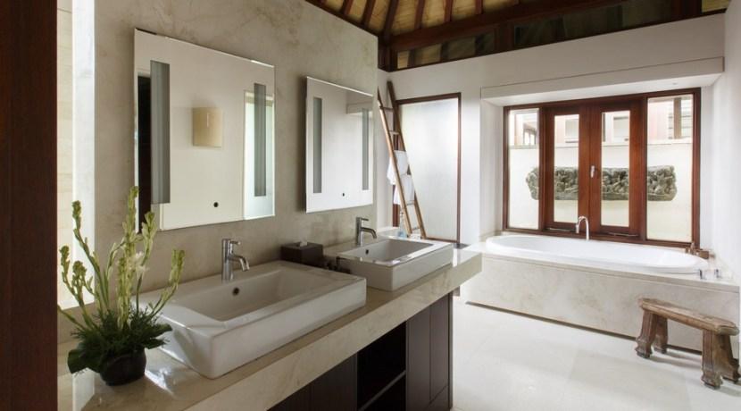Chintamani Ocean Suite - Private Plunge Suite Luxury Bathroom